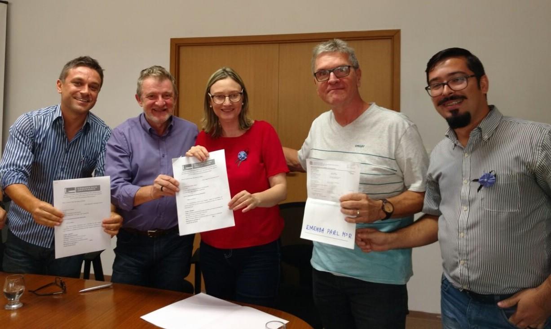 Entrega das emendas para o prefeito Ary Vanazzi. Fotos: Júlia Flôres/Ascom Maria do Rosário
