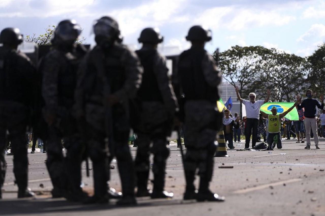 Brasília - Centrais sindicais realizam manifestação em Brasília. (Marcelo Camargo/Agência Brasil)